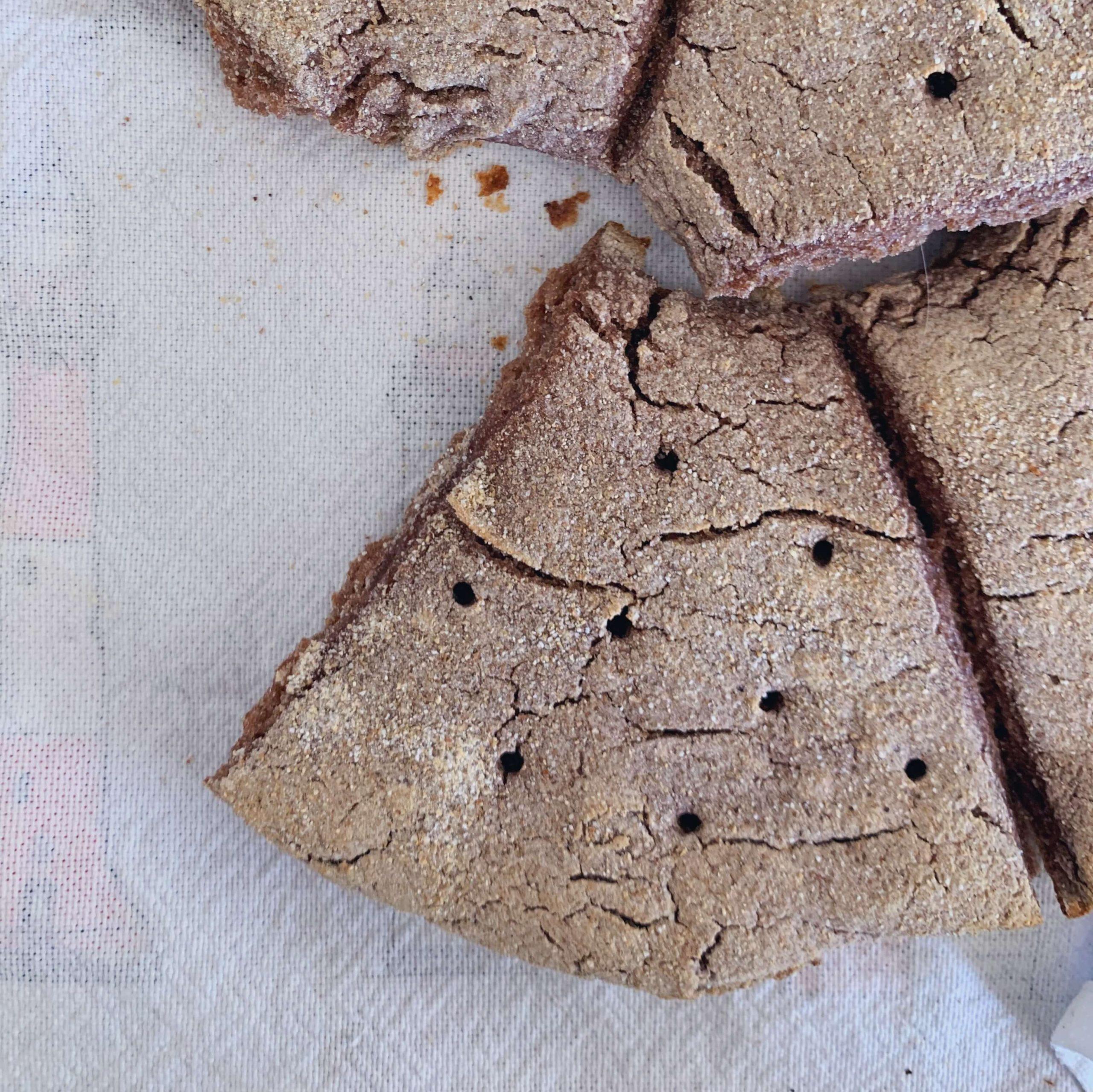 FODMAP gluteeniton leipä tumma jälkiuuni