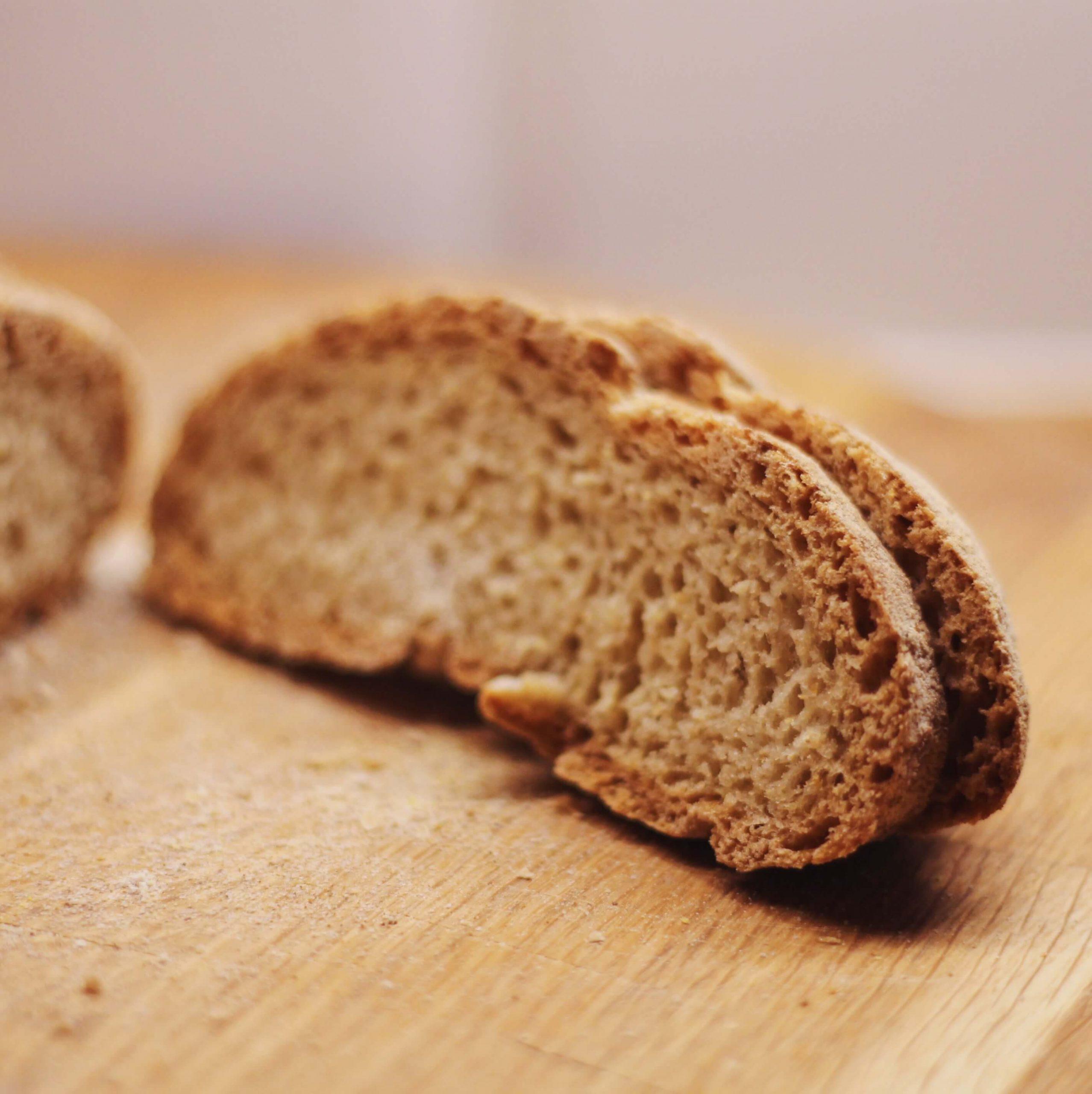 FODMAP gluteeniton leipä hiivalla